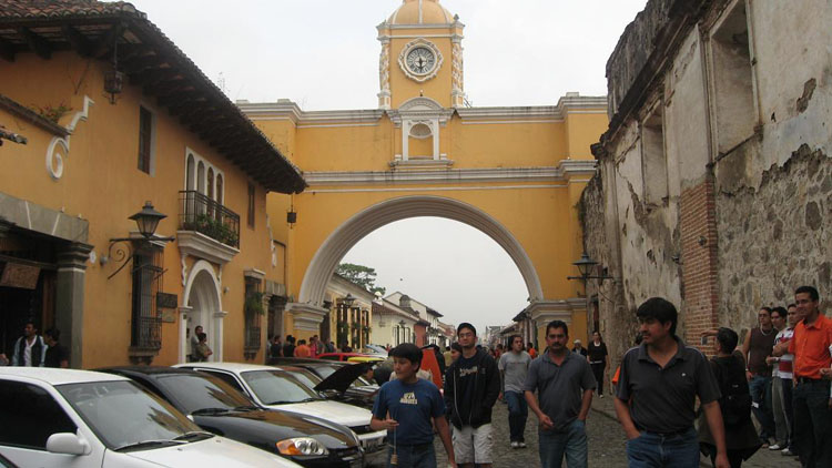 Drive to Guatemala Photo. The famous (infamous for being such a tourist attraction) Arch, Antigua.