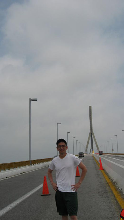 Drive to Mexico Photo. This is apparently the only bridge that leads south out of Tampico.  It took me an hour to find it.