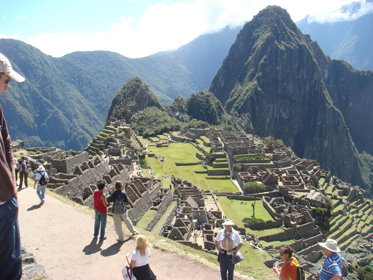Drive to South America Photo. This was the first picture of Machu Picchu I had taken. But I didn't like the fact that the bottom left hand corner view was largely blocked off and the fact that I couldn't really capture the beauty of the ruin without so many of the tourists in them. The latter part was really tough to do.