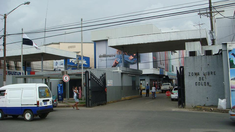 Drive to Panama Photo. This is the entrance to the Duty Free zone in Colon.  I wouldn't post it up, except this just happens to be the 2nd largest duty free zone in the world.  It would be a woman's paradise.  I went into a couple places for guys and they sold nothing but cheap quality stuff for not that low of a price.  I did, however, like their choice of shoes and I might go back to see if they got any quality watches.