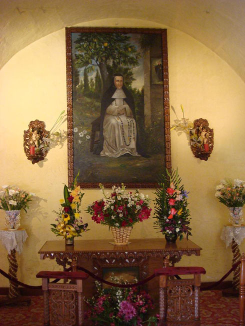 Drive to Peru Photo. Beate Ana de Los Angeles. She apparently cured a patient of cancer before dying in this cell in 1686, and was beatified by Pope John Paul II during his visit to the city in 1985. She is currently awaiting to be upgraded to a Saint status.